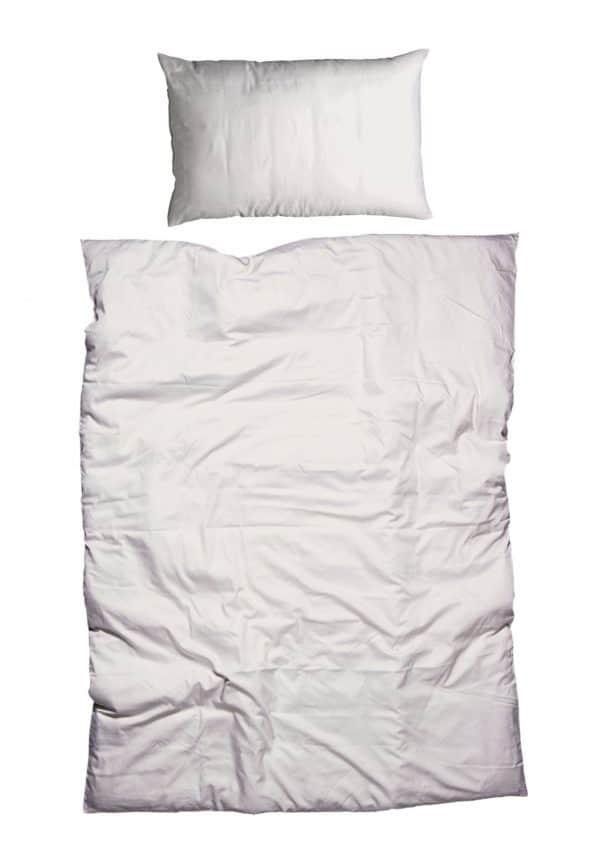 Bettdeckenbezug und Kissenbezug in beige